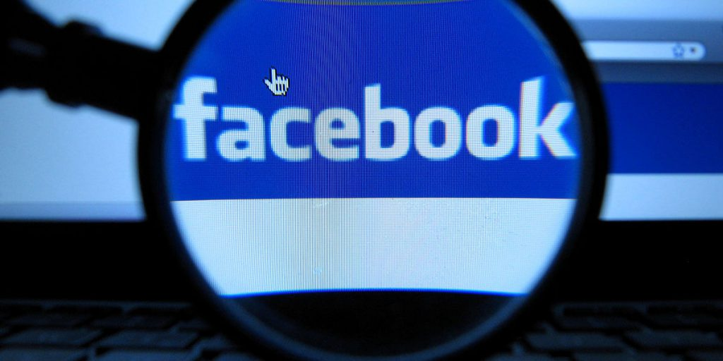 Facebook com pagamento em Reais